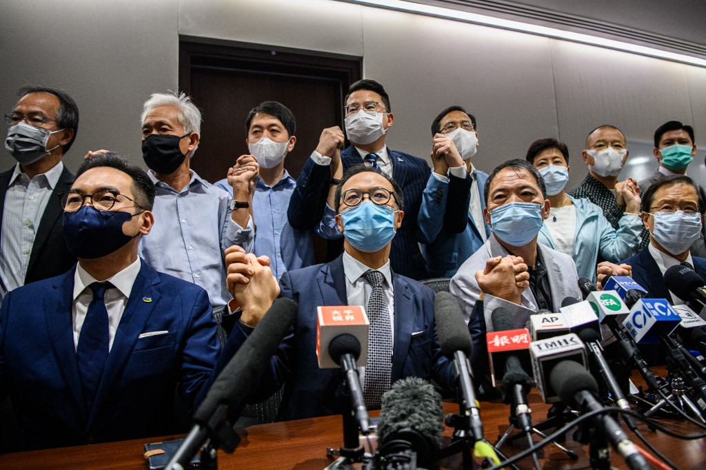 Hong Kong Chief Executive Carrie Lam announced the immediate disqualification of four pro-democracy lawmakers-on Wednesday – Kwok Ka-ki, Alvin Yeung, Kenneth Leung and Dennis Kwok. Lam said they were in violation of their duties as legislators and oaths of loyalty to the HKSAR government under Article 104 of the Basic Law.