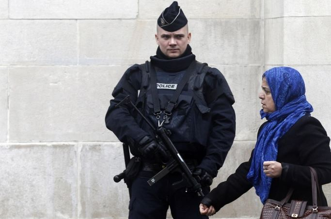 France 76 mosques face closure and 66 migrants deported