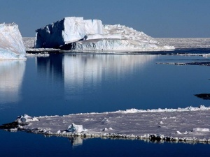 How Rivers in the Sky Melt Huge Holes in Antarctic Ice