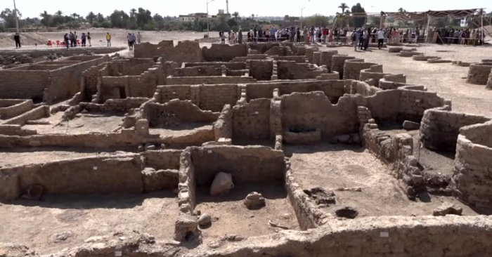 [VIDEO]: Egypt discovers the 'lost golden city of the pharaohs'
